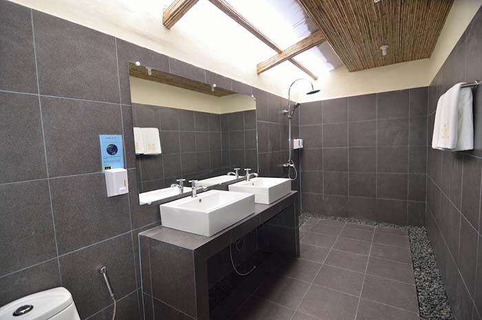 BABDR-Shower-room